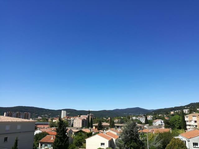 Chambre privée centre ville - Draguignan - Lägenhet