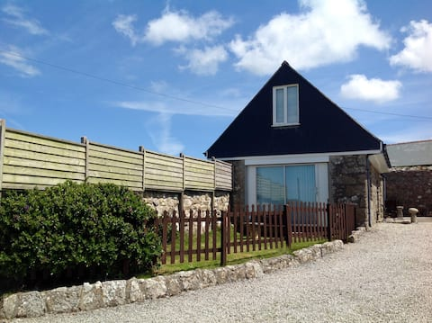 Faraway Loft, less than 20 miles from St.Ives.