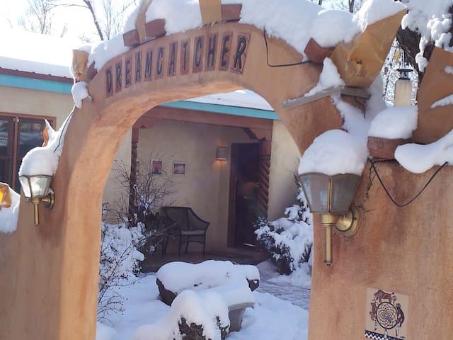 Dreamcatcher B&B - Dream in Taos! - Taos - Bed & Breakfast