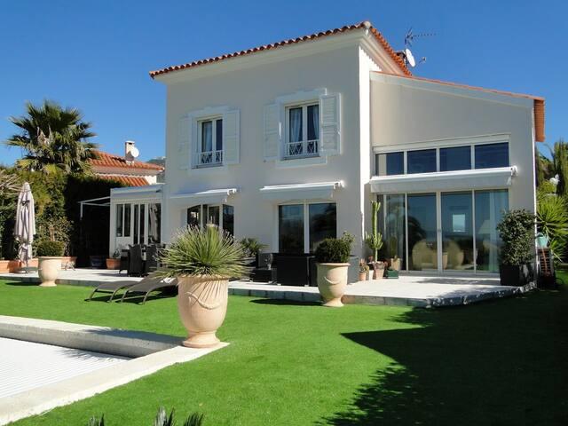 Très belle villa avec vue dégagée - Nicea - Dom