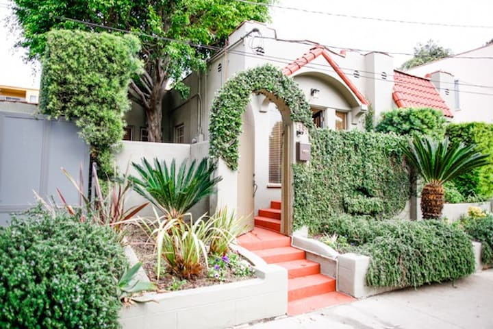 1920'S CHARMER HEART OF L.A.'S BEST
