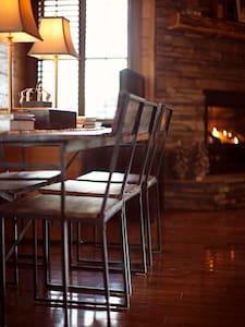 Blueridge Cabin (3 bed + 3 bath) - Cottage
