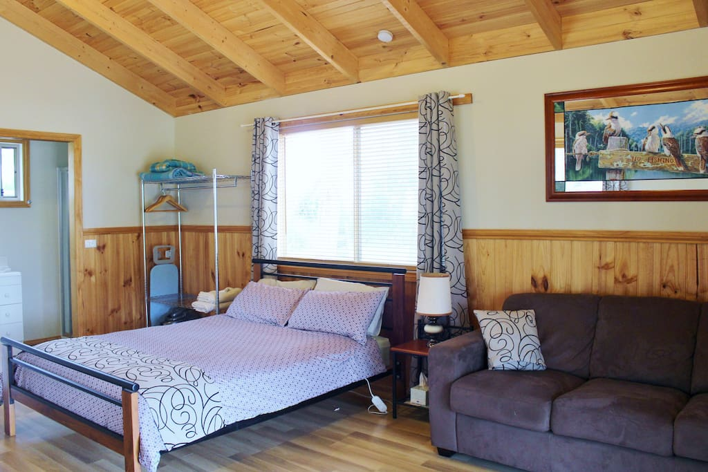 queen bed and single trundle bed. TV and Air-conditioner