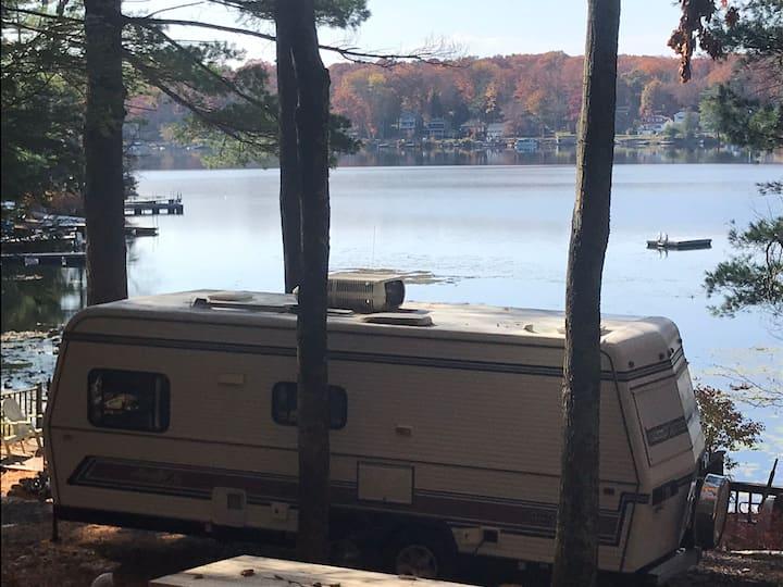 Lakefront (Glamping) Camper
