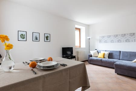 Beautiful and sunny apartment - Desenzano del Garda - Apartamento