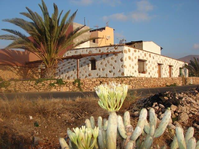 Casa los Moriscos - Tuineje - บ้าน