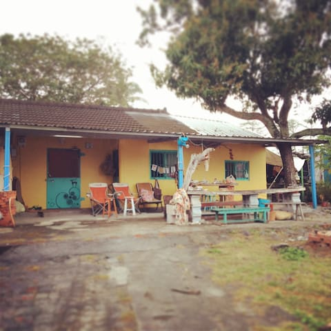 Crazy but cozy ~cabin near the sea - Taimali Township - Dom