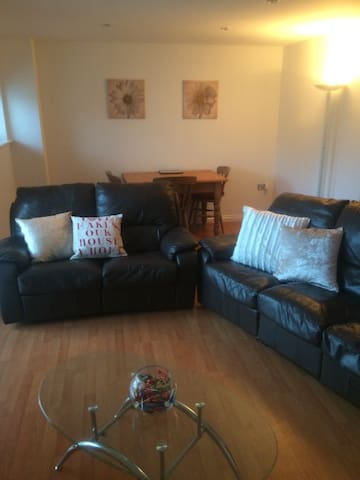 Feel @ home Cosy Duplex apt two bed /two bath - Gateshead - Apartemen