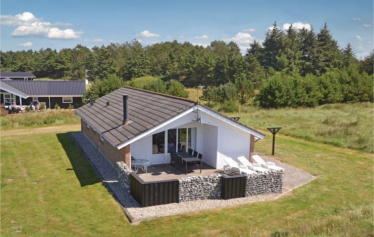 Holiday cottage with 4 bedrooms on 100 m² in Vejers Strand
