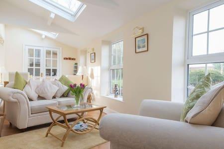 Sandringham Suite - Bacton