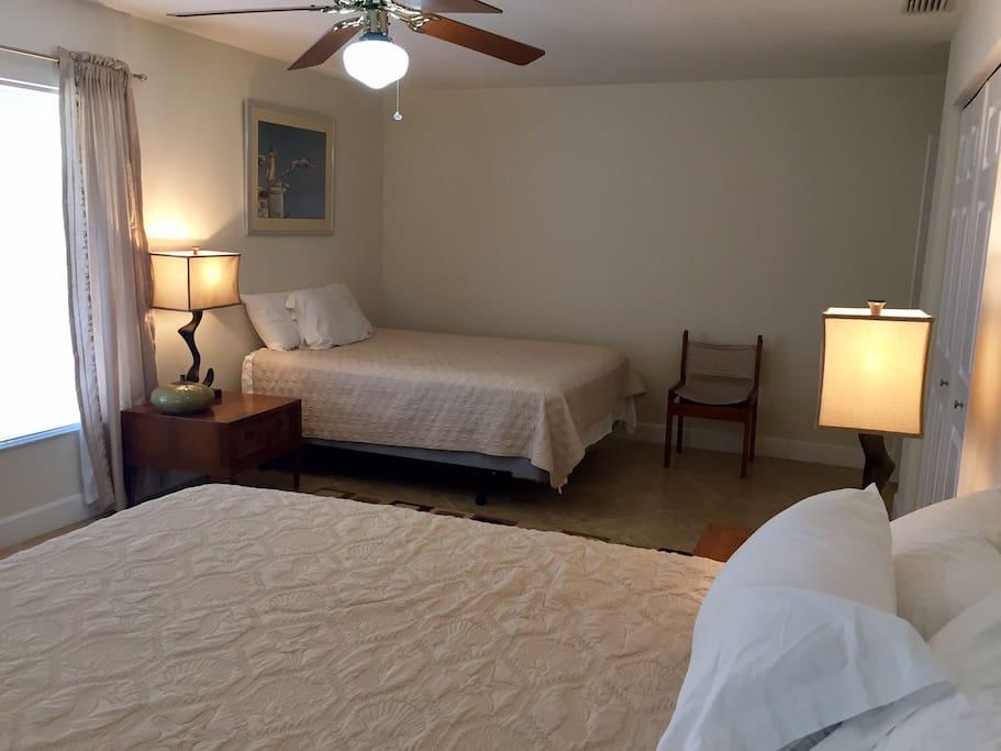 2nd VIEW SAME ROOM