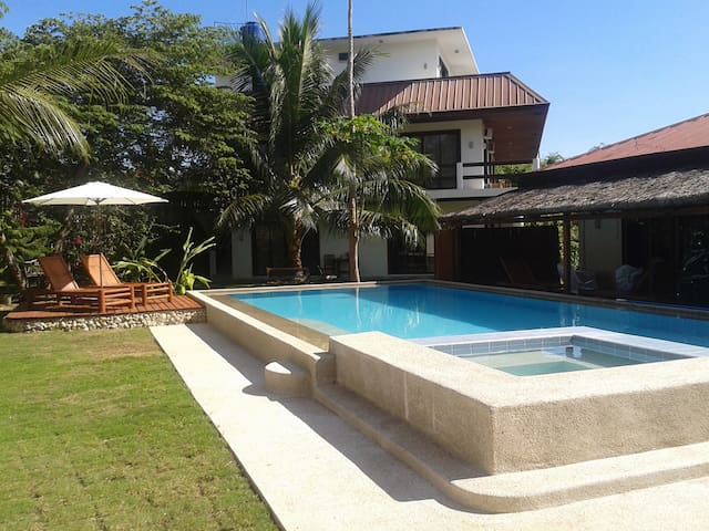 Panglao Studio-Private-Pool-island near beach