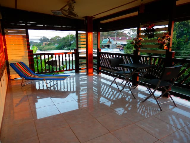 Family room with terrace by the river & free bike - Ayutthaya  - House