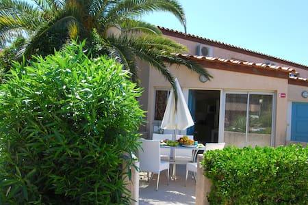 Villa Circe supérieur coté piscine - Saint-Cyprien