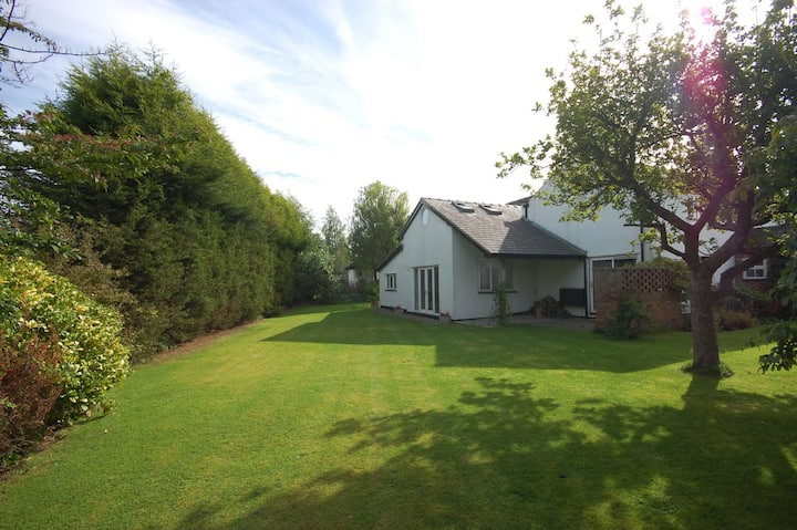 Hall Moss Farm, charming serviced holiday cottage.