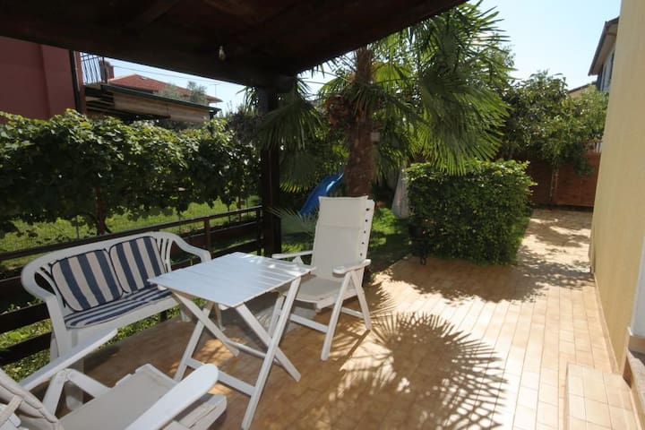 One bedroom apartment with terrace Umag (A-2523-d)