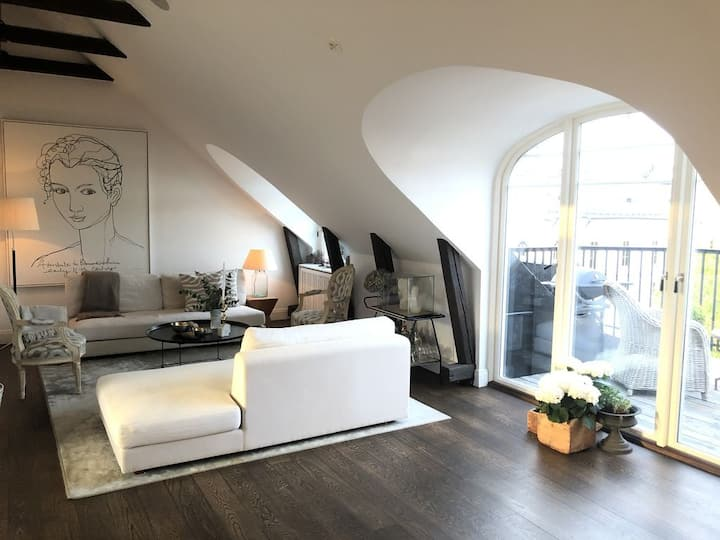 Unique Penthouse, roof balkony, sea view - 155 sqm
