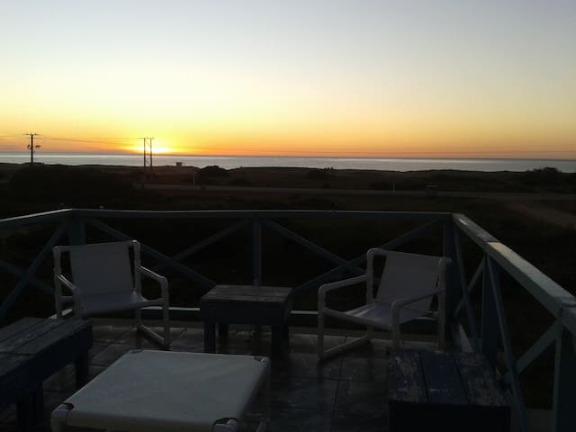 Ocean view; beach across the street - Balneario Buenos Aires - Dům