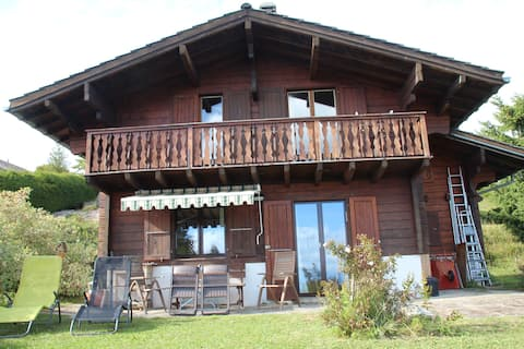 Jura Vaudois: very nice  chalet Magnificent view