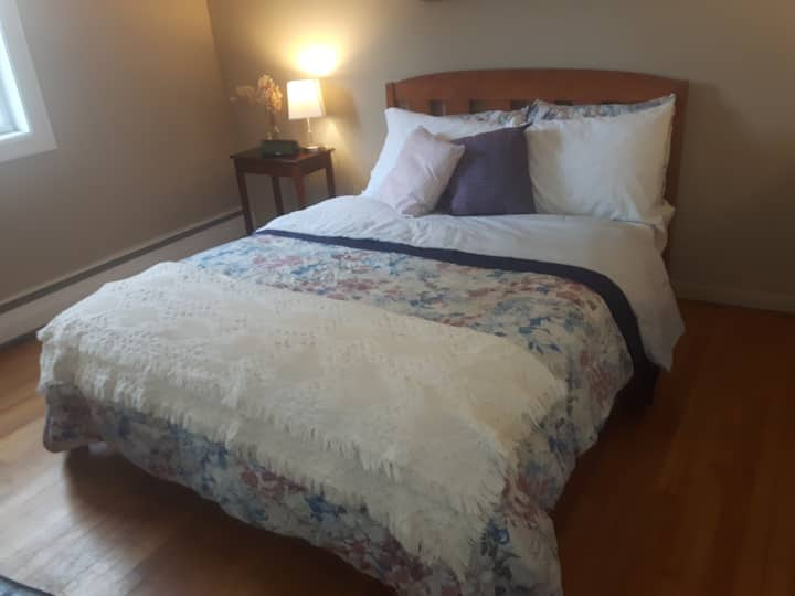 Room #1 - Private Room in the Heart of Moncton