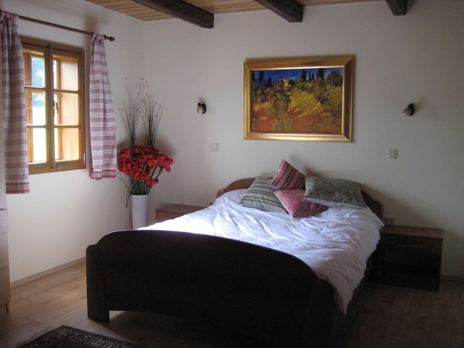 Comfortable,  en suite double bedroom.