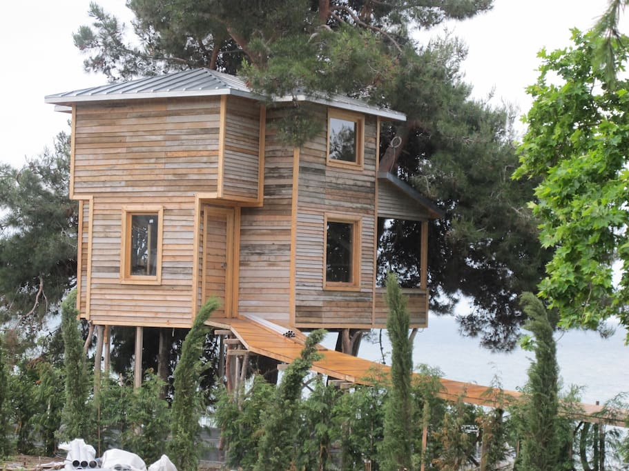 Treehouse is also available for rent
