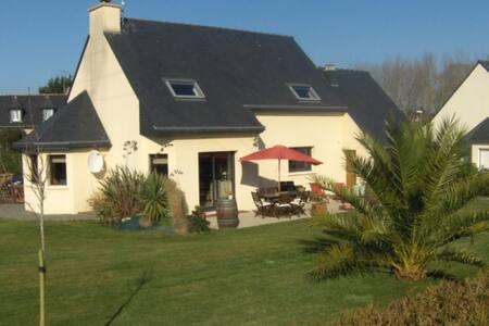 Belle maison décorée avec goût - calme et douceur - Pleubian - Hus