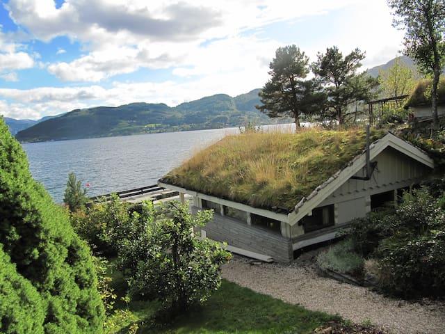 Holiday by the fiord in Hardanger - Norheimsund - Casa de campo