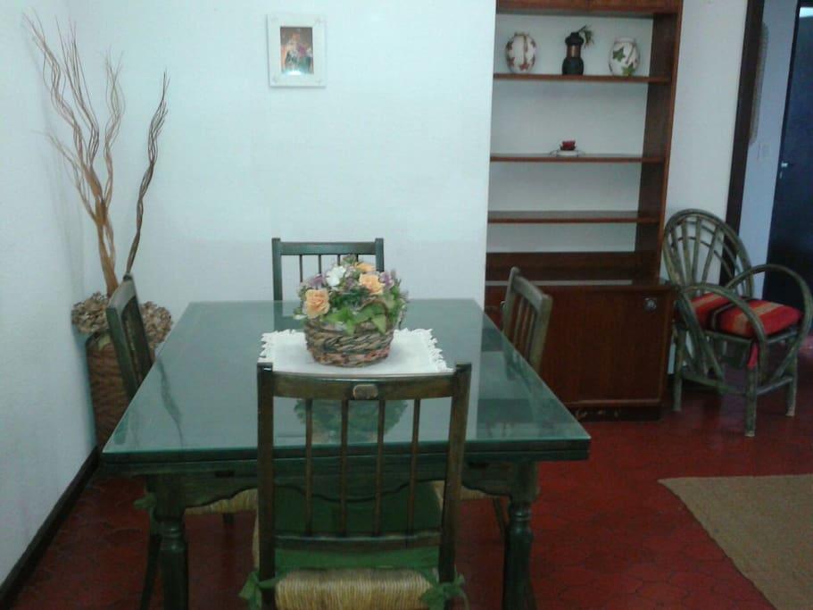 Mesa para reunirse en familia
