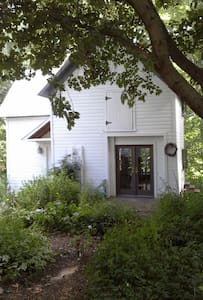 Carriage House on the River - Plainwell - Rumah