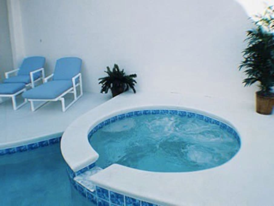 Jacuzzi - heating included in the price!!