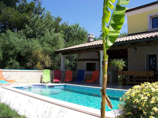 Istrian Villa Kanal -1.5km from sea - Umag - Hus