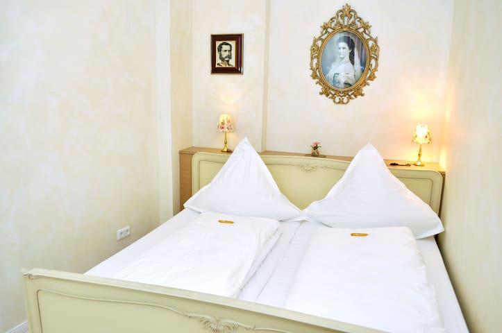 (URL HIDDEN)BEDS 2 sleep with style