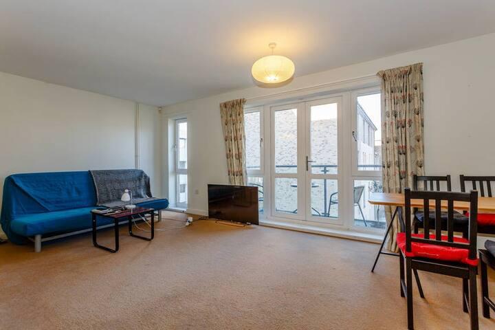 Spacious, modern riverside apartment