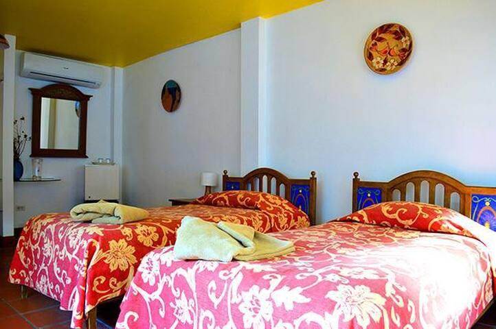Garden Annex 3 - Puerto Villamil - Casa