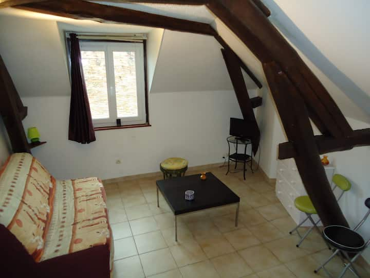 Charming studio Milly la Forêt, ideal for climbers