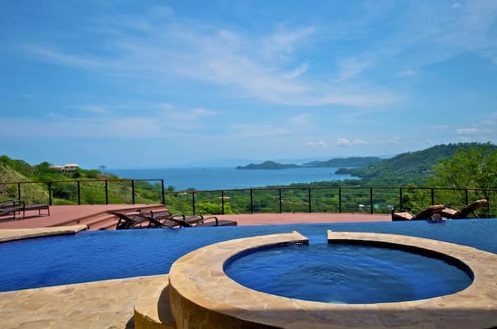 Stunning luxurious 6bd house with pool insane view