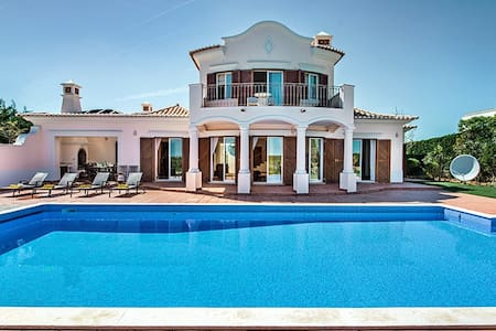 Beach front villa, located at Martinhal, Sagres - サグレス