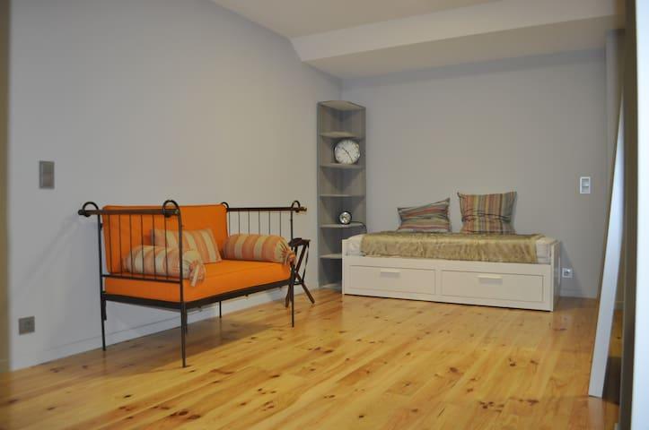 Campolide / Amoreiras area  - Modern Loft