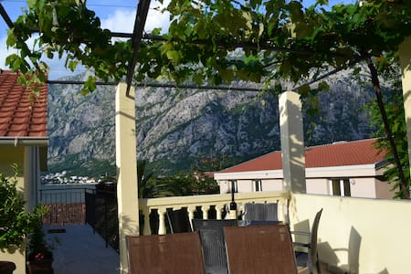 Sea view apartment 1 Mirkovic 10min from Kotor