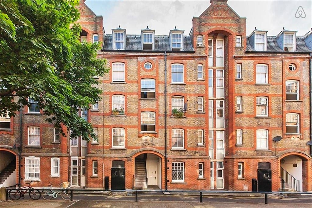 The flat is on the 3rd  floor of this 1890 historical building next Arnold circus!