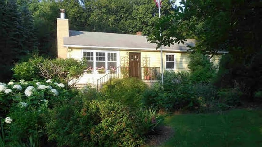 Charming Country House - Dover Plains - House