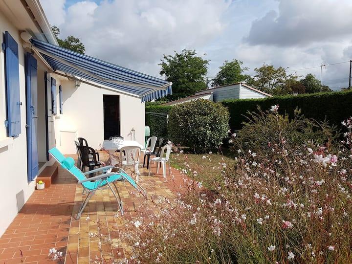 Maison de famille avec jardin bien clos et wifi