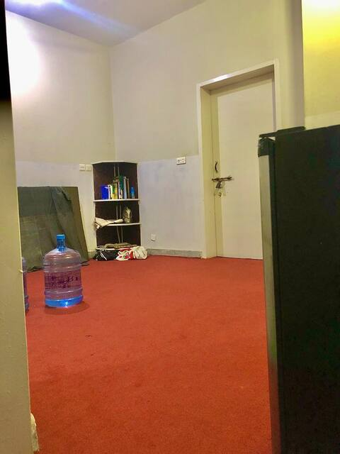 Guestroom at central location, economical price