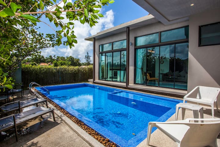 Stunning villa with private pool in Bang Tao