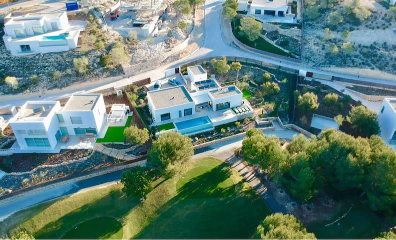 Las Colinas Golf Resort- Luxury Villa Adelfa 25