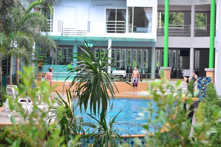 Deluxe Studio3! Garden Pool •Aonang Beach Walk