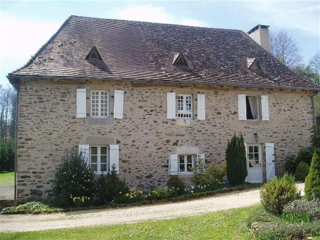 Aillac - La Chataigne - Saint-Pierre-de-Frugie - Casa