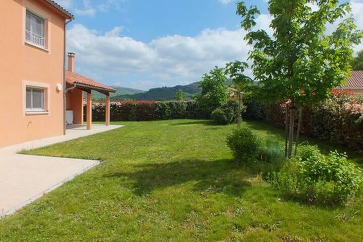 Grande maison moderne en Sud Aveyron - Vabres-l'Abbaye - Ev