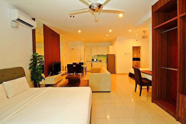 II)FAMILY STUDIO SUITE WITH 2 BEDS_GEORGETOWN@市区套房 - George Town - Wohnung
